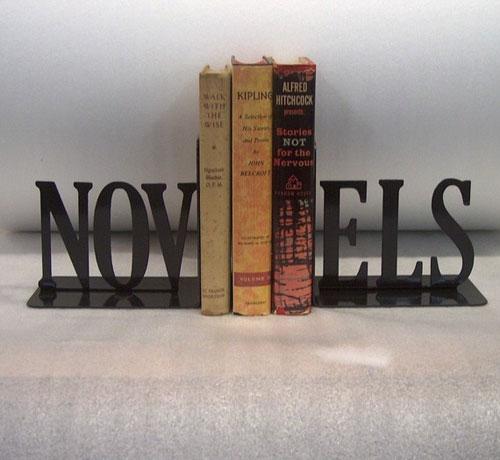 Sujetalibros: novela