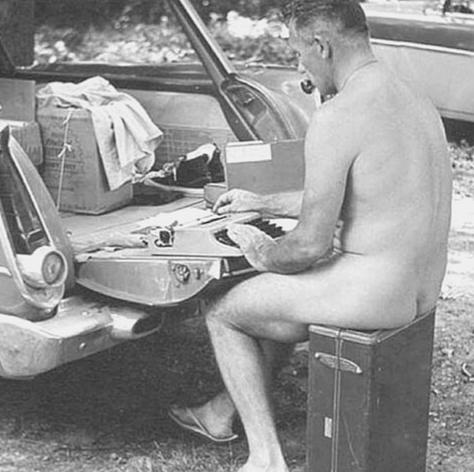 Grandes autores y sus hábitos inusuales para escribir